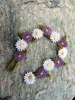Star Chain Seed Bead Patterns | Grown-Up Daisy Chain – Media – Beading Daily
