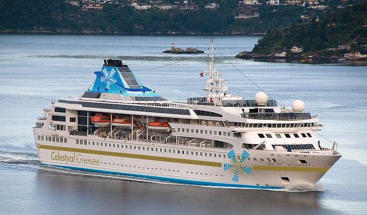 CELESTYALNEFELI. Ιδιοκτησία: Jewel Owner & Clipper Int. Comp. - Denmark. (Beneficial owner: Sunstone Ships Inc. - USA). Διαχείρηση: Celestyal Cruises (from 2016 to Oct. 2017). Παρθενικό ταξίδι τον Απρίλιο 1992. Crown Jewel 1992. Cunard Crown Jewel 1992 ~ 1995. SupewrStar Gemini 1995 ~ 2008. Clipper Jewel 2009. Vision Star 2009. Gemini 2009 ~ 2016. 2016 ~ present, today's name. 1992. 19.093 GT ~ 163,81 m.m. ~ 22,5 μ.πλάτος ~ 7 κατ/τα ~ 17 ~ 19 knots ~ 800 ~ 916 επ. ~ 340 ατ. πλ.