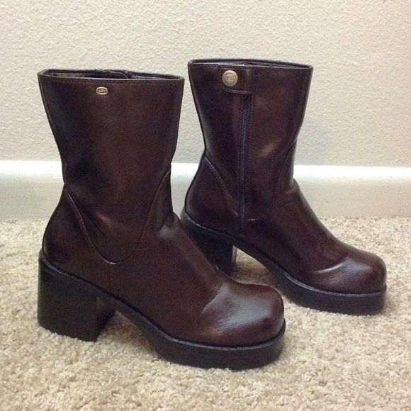 Dark brown sketchers boots. Comfortable sketchers boots. Skechers Shoes Combat & Moto Boots