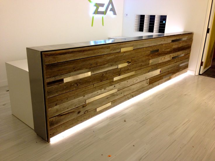 Reclaimed wood reception desk estudio Pinterest Reception