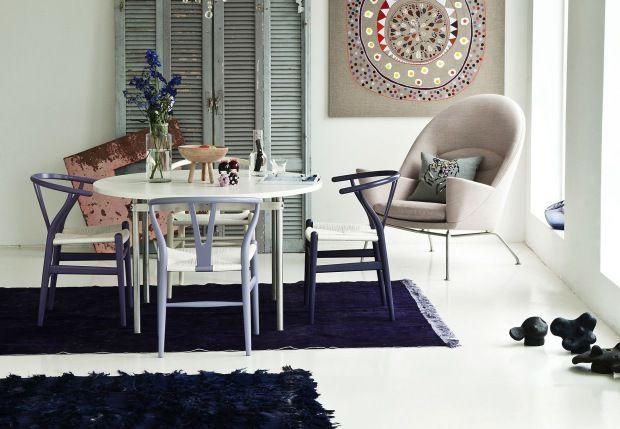 Y-stolen af Hans J. Wegner . En af de mest solgte.