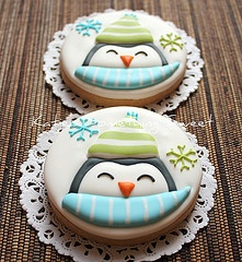 cute penguin sugar biscuit - could work for Christmas too!
