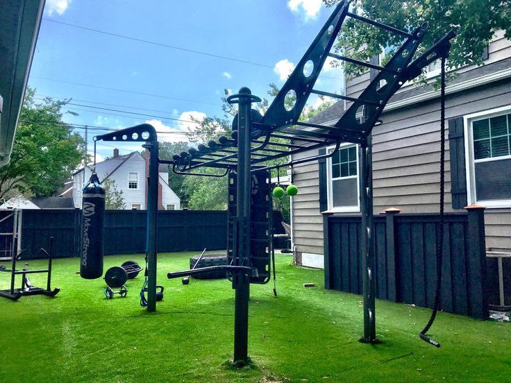 Ultimate backyard workout and ninja warrior training! The MoveStrong T-Rex FTS. Configure the functional training station in size and needs for the training you desire.