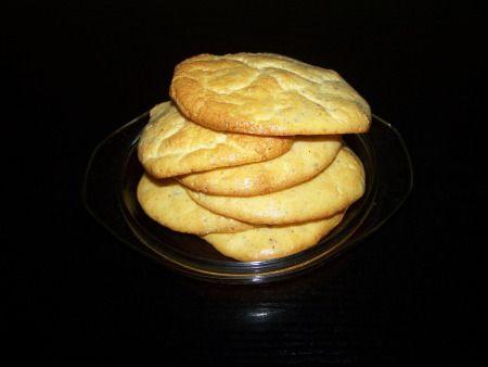 Pyszne placuszki dla osób na diecie LCHF, którym trudno sobie wyobrazić życie bez chleba. Przepis paniUrszuli Forenc nieco zmodyfikowany przeze mnie. Odrzuciłam proszek do pieczenia bo zawiera p...