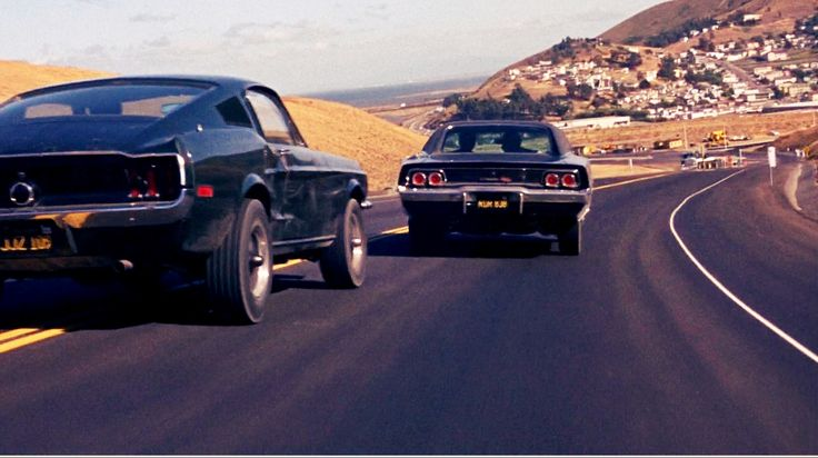 """Ford Mustang 390 GT 2+2 Fastback vs. Dodge Charger 440 Magnum in the movie """"Bullitt"""" (1968)"""