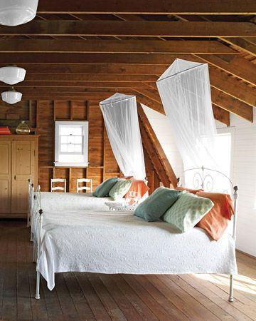 // Breezy.Guest Room, Attic Bedrooms, Attic Spaces, Bedrooms Design, Slumber Parties, Martha Stewart, Bedrooms Decor, Bunk Room, Traditional Bedroom