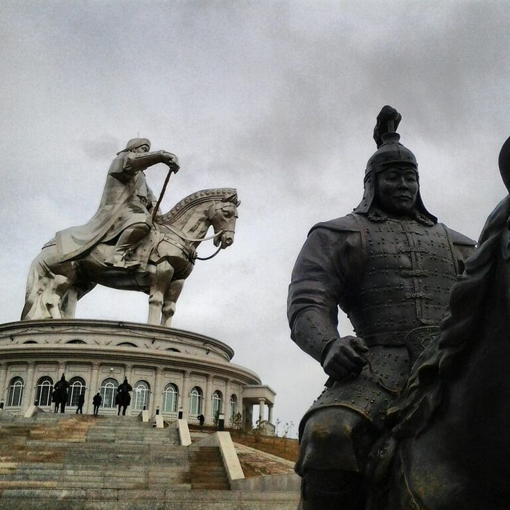 an overview of the military leader genghis kahns biography Outline the major cultural contributions and complex role played by genghis   genghis khan was the first leader, or khan, of the mongol empire, from 1206 ce –1227 ce  he was born around 1162 in modern-day northern mongolia into a  nomadic  the tactics and military might genghis used in the western xia  region.