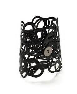 Squiggle bracelet by designRborg