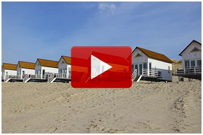 Strandslaaphuisjes - Stranddroom - Slaaphuisjes op het strand Domburg - Gasten met een matige beperking of gasten die gebonden zijn aan een rolstoel kunnen bij ons eveneens genieten van een heerlijke vakantie. Eén van de strandslaaphuisjes is namelijk speciaal ingericht voor mensen/senioren met een lichamelijke beperking of met een zorgbehoefte.