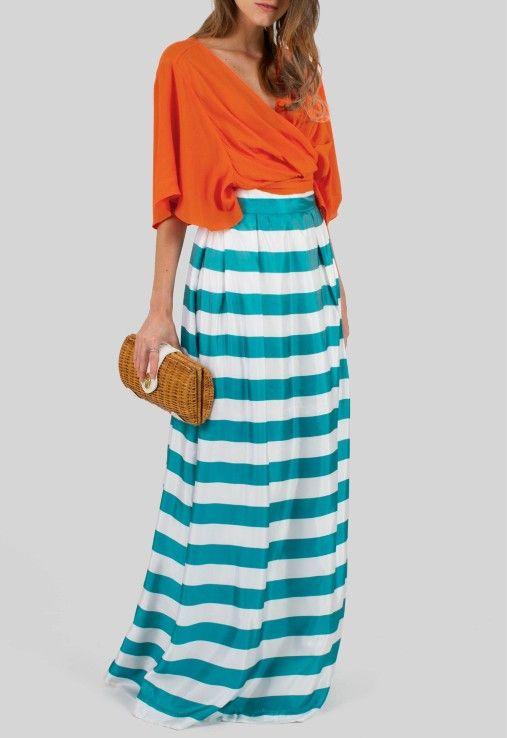 POWERLOOK - Aluguel de Vestidos Online –Conjunto Regina com cropped laranja e saia longa listrada Corporeum  #alugueldevestidos #powerlook #vestidomadrinha #madrinha #vestidocasamento #casamento #vestidofesta #festa #lookcasamento #lookmadrinha #lookfesta #party #glamour #euvoudepowerlook  #dress #dreams   #arrase #alugue  #devolva #modaconsciente  #beauty #beautiful #conjunto #corporeum #saia #cropped #listras #soltinho #laranja #azul