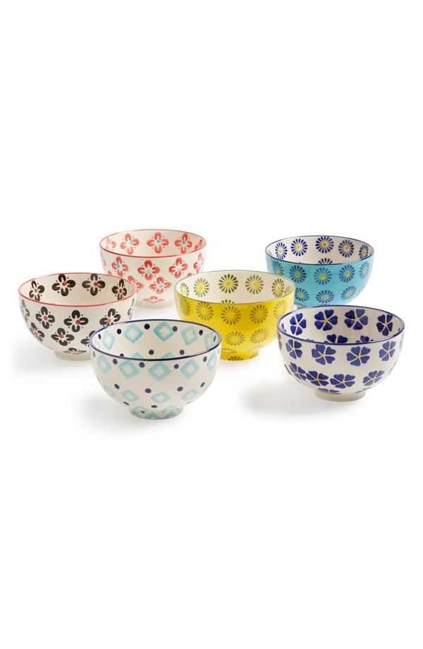 Love the pattern on these bowls. The perfect way to spruce up the breakfast table.