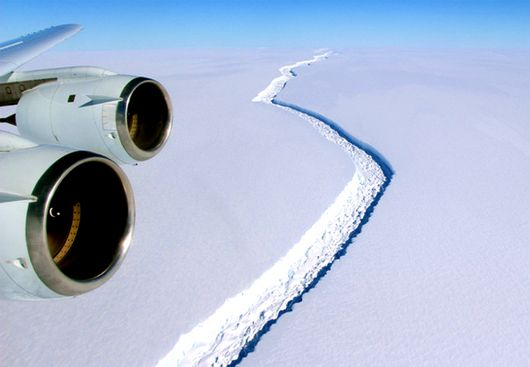  El bloque se ha separado de la barrera de hielo Larsen, situada en la Antártida.  La NASA confirma el desprendimiento de uno de los icebergs más grandes de la historia. El iceberg Larsen C, uno de los bloques de hielo más grandes de