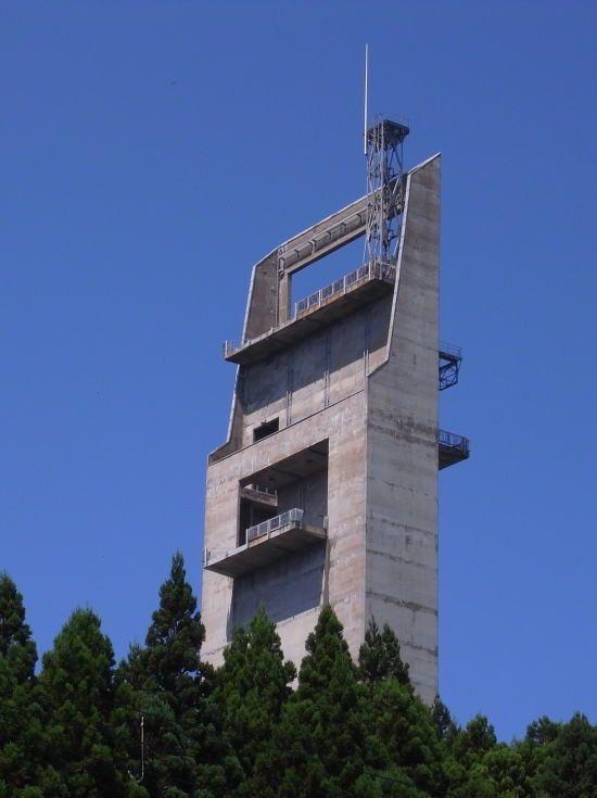 石崎無線中継所(津軽の塔)