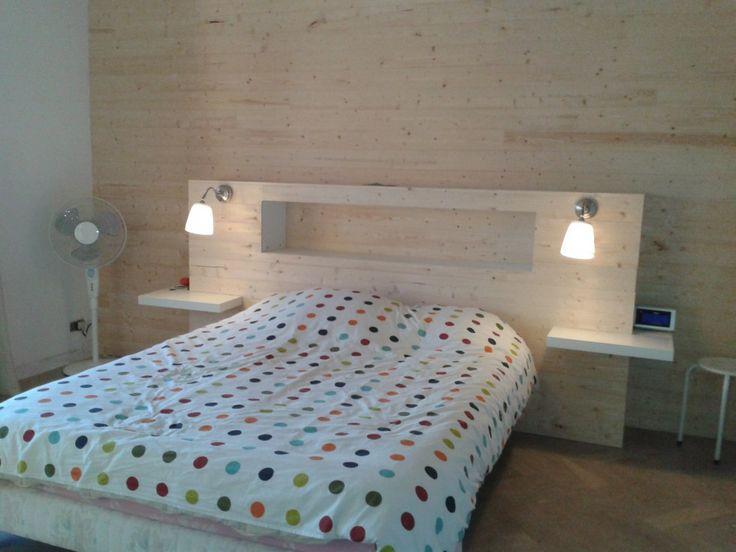 Notre chambre - Mur lambris et tête de lit home made                                                                                                                                                      Plus