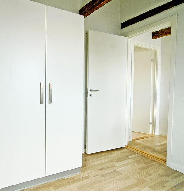 Indbyggede skabe, som ikke fylder – renovering af lejlighed i Esbjerg