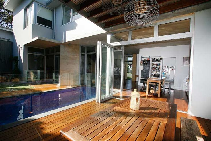 Rammed Earth Coogee House - rear deck pool