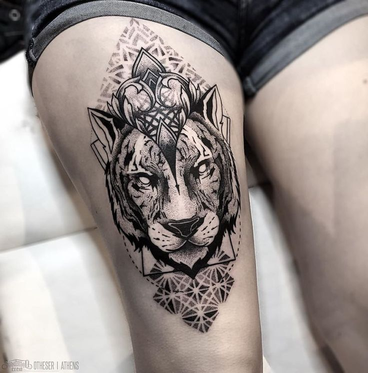 Blackwork-tattoo-Otheser-SakeTattooCrew