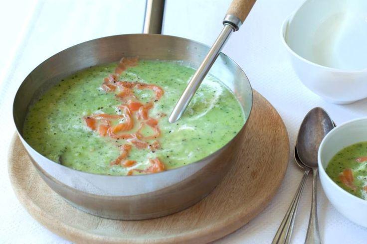 Courgettesoep met zalm  - Recept - Allerhande