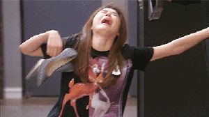 Hey  it's  a gif.  Cheon Song-yi My Love From Another Star