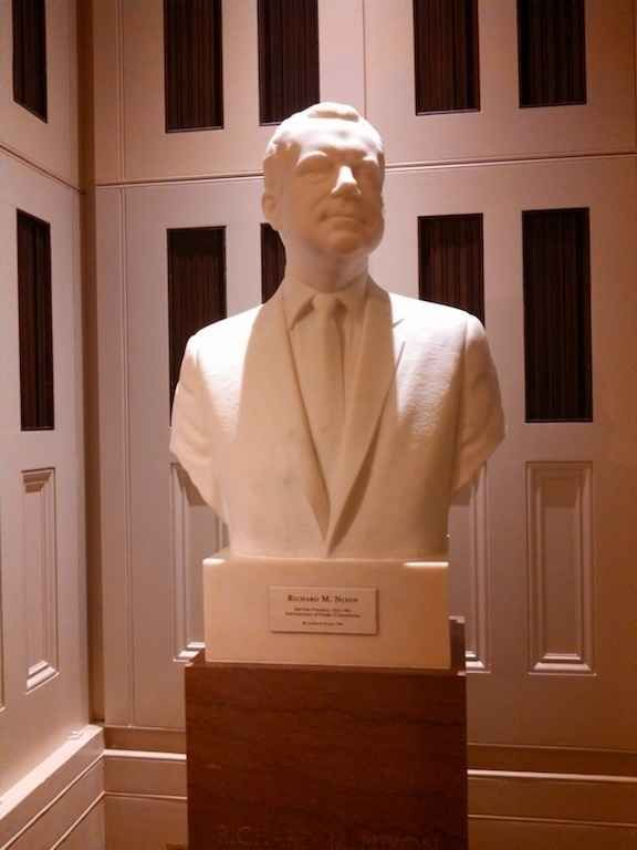 The backlighting on this Richard Nixon statue. | 23 Things That Are Definitely Not Shut Down In The Capitol