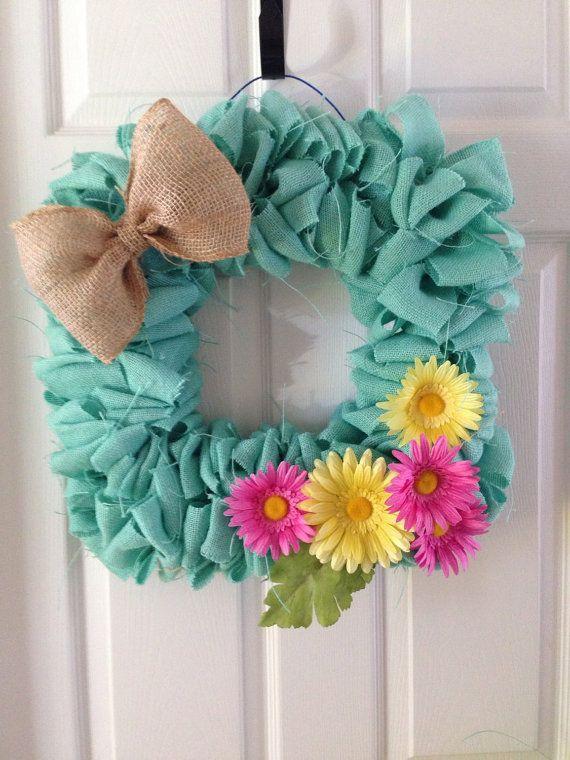 burlap wreath, blue burlap, daisies, burlap bow, square wreath