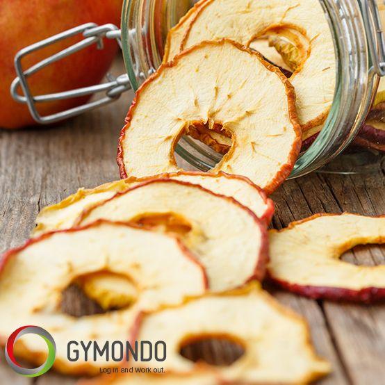 Getrocknete Apfelringe - eine halbe Tüte (40 g) hat 100 Kalorien. Gesund: Verdauungsfördernde Ballaststoffe und Mineralstoffe wie Kalium (100 bis 180 Milligramm), Kalzium, Magnesium und Eisen bleiben trotz Trocknung erhalten.