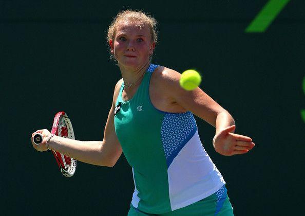 Katerina Siniakova vs Simona Halep Shenzhen Open Live Tennis Scores