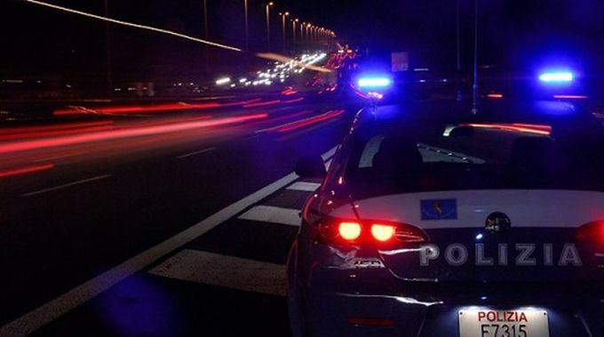 Caccia ai pirati della strada che hanno provocato un maxi incidente sul Grande Raccordo Anulare la mattina del giorno dell'Immacolata.