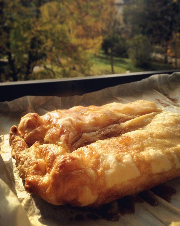 #vegan #applepie #autumn #almonds #maplesyrup #cinnamon Taky furt frčíte štrůdl 24/7?🍁☺️❤️🍎🍰🎂#klubkovari