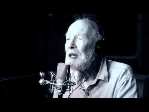 "Pete Seeger Covers ""Forever Young"" I also like this verison  I want to stay as young as he did even in his old age."