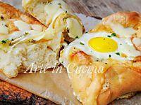Khachapuri barchette di pane uovo e formaggio veloci | Arte in Cucina
