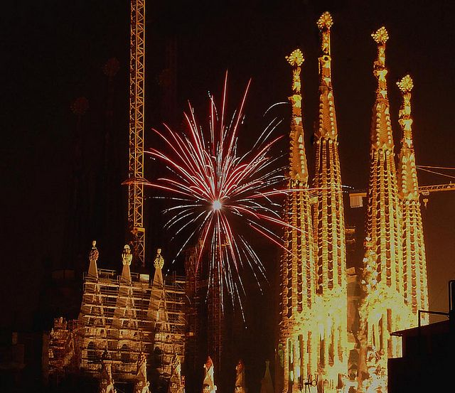 Nit de Sant Joan | Barcelona ApartmentsBarcelona.com is celebrating with you!