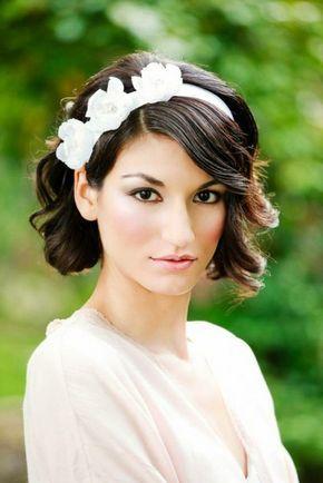 Brautfrisuren kurze Haare mit Diadem