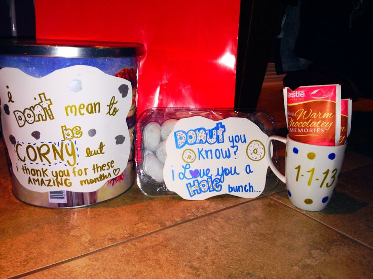 Cute Christmas Theme Gift For Your Boyfriend To Keep Him