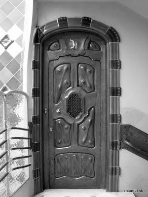 Help writing an essay on Antonio Gaudi's architecture?