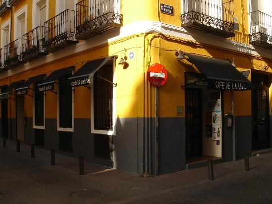 Cafe de la Luz(馬德里): 讀讀215則則關於Cafe de la Luz客觀公正的美食評論,在TripAdvisor的5分滿分評等中得4.5分,在馬德里的8,616家餐廳中排第92名。
