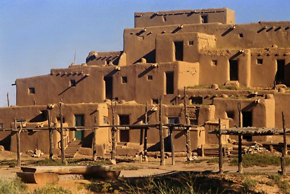 Native american adobe native american adobe house the for Pueblo home builders
