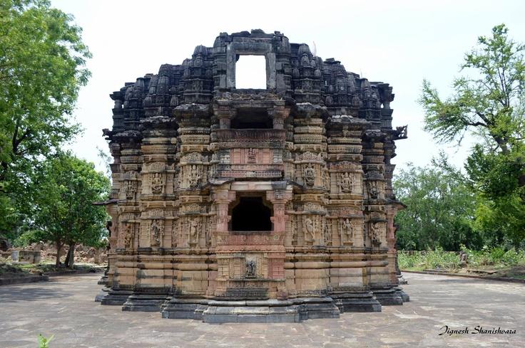 Sharneshvar Temple, Abhapur, Vijayanagar - By Jignesh Shanishvara