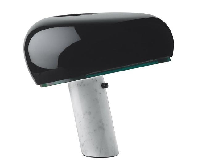 스누피 터치_블랙 DM(이미지를 클릭하고 eShop 가기)    색상 : Black  소재 : marble, metal  용도 : 스탠드(조명)  사이즈 : 39w*37h  원산지 : 이탈리아    스누피는 효율적으로 빛을 분산하기 위해 설계된 테이블 램프입니다. 독특하고 흥미로운 테이블 램프로 주로 전등의 아래쪽으로 빛을 산란하는 조명입니다.