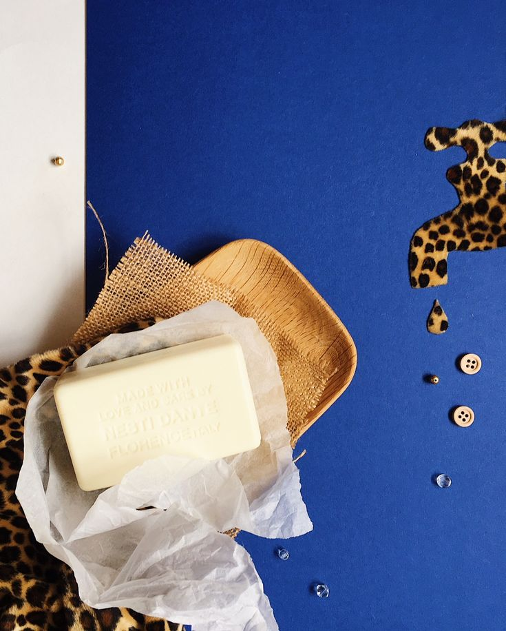 Flat lay photograph by Helen Perry of Nesti Dante soap from Florence, Italy