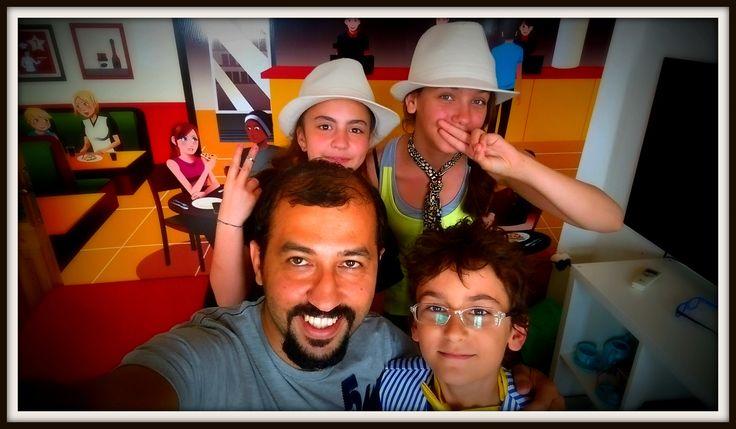 A selfie in the Cheeky Cafe...#CME4K Sadece çocuklar (Okul Oncesi - Ilkokul - Ortaokul) için İngilizce dil kursu İzmir