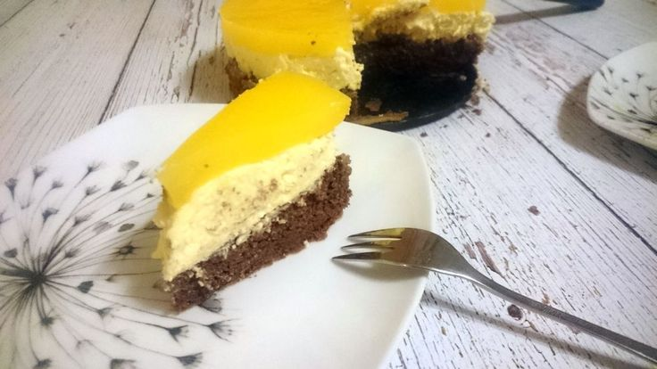 A Fanta-szelet az egyik legnépszerűbb süti a családunkban, időről időre elkészítjük, majd be is pusztítjuk az utolsó morzsáig. Annak érdekében azonban, hogy mindez a pocakunk körméretén ne változtasson, egészséges, diétás változatban szoktuk elkészíteni. A cukrot cseréld le édesítőszerre, a…