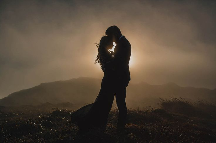 Silhouette your love. | 41 Romantic Ideas To Elevate Your Engagement Pictures