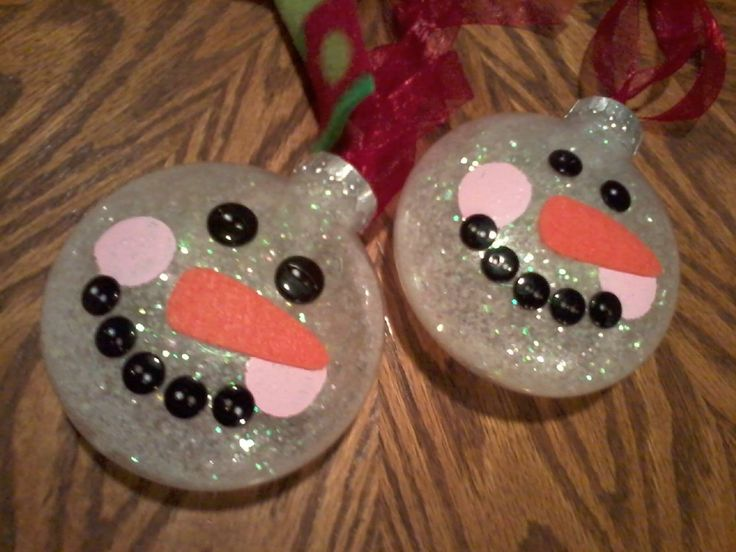 Does Acrylic Paint Work On Plastic Ornaments