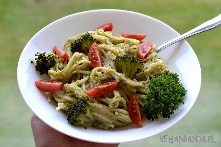 Spaghetti z kremowym sosem brokułowym