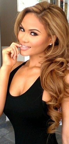 Golden Blonde/Brown Hair Color Once my hair is the length I want I'm doing this!!