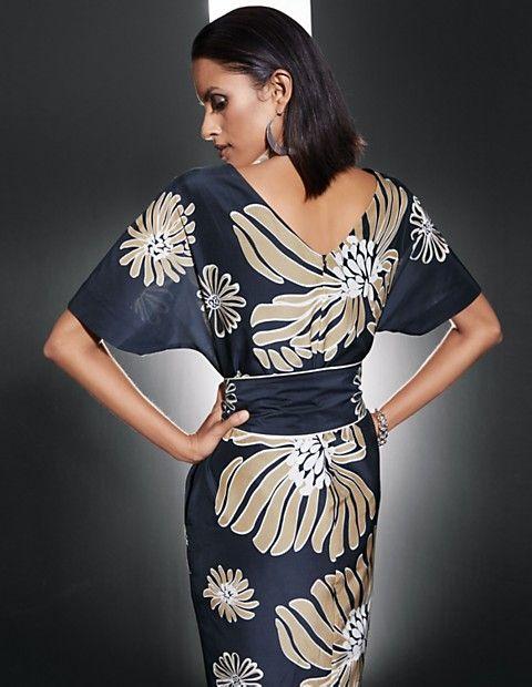 6df6bf1245b1 Weites Halbarm-Kleid mit modischem Print, marine/caramel/wollweiß ...