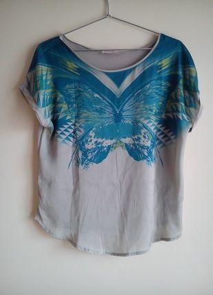Kup mój przedmiot na #vintedpl http://www.vinted.pl/damska-odziez/bluzki-z-krotkimi-rekawami/10375998-szara-bluzka-z-motylem-orsay