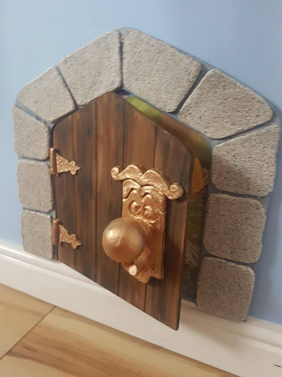 Alice In Wonderland Small Door Perfect For Any Disney Fans