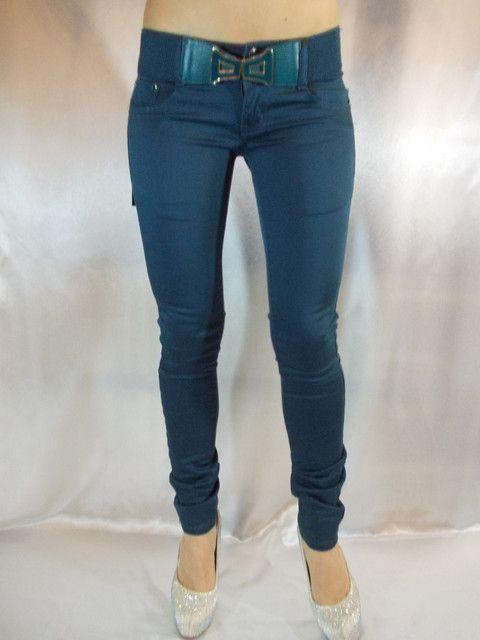 Модные женские джинсы этого лета - узкие цветные джинсы